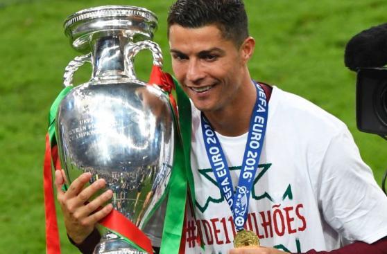 Cristiano Ronaldo lidera Forbes de deportistas mejor pagados