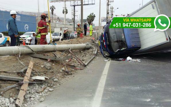 Accidente se registró a la altura del paradero de Conchán (Foto: WhatsApp El Comercio)