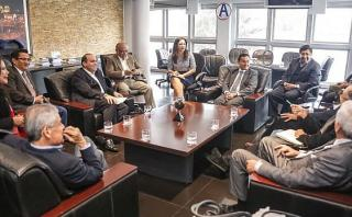 Fernando Zavala se reunió con bancada de partido de Cesar Acuña