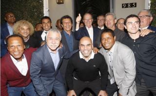 PPK se reunió con César Cueto y otros ex seleccionados del Perú