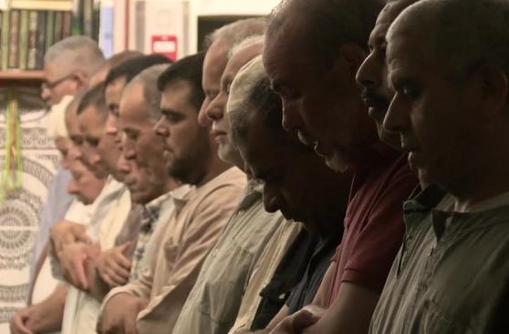Musulmanes en Niza: Los que antes me abrazaban ahora son fríos