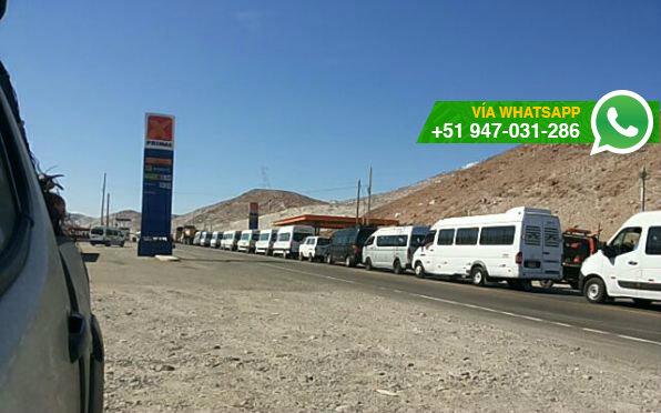 Conductores de minivan realizan una movilización hacia el centro de Arequipa (Foto: WhatsApp El Comercio)