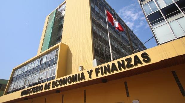 Facultades legislativas: Petroperú, agua y minería ilegal