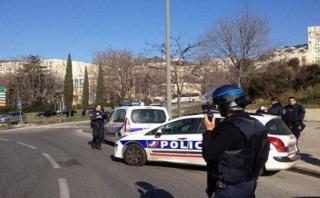 Francia: Hombre armado se atrinchera en hotel de Bollene