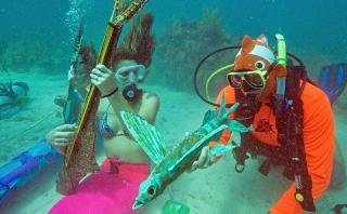 Disfruta del único festival musical bajo el agua del mundo