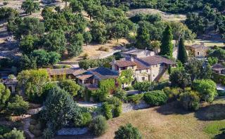 Conoce la lujosa mansión francesa que Johnny Depp quiere vender