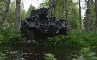 BJ Baldwin a toda velocidad con un vehículo militar [VIDEO]