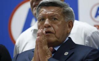 César Acuña: hoy definen si le abren proceso por caso de plagio