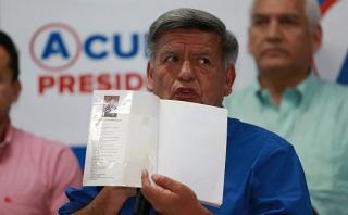 Indecopi sancionó a Acuña por plagio de libro de su profesor