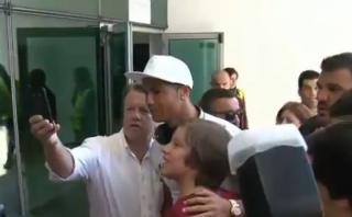 Cristiano Ronaldo aclamado por sus fanáticos en Madeira [VIDEO]