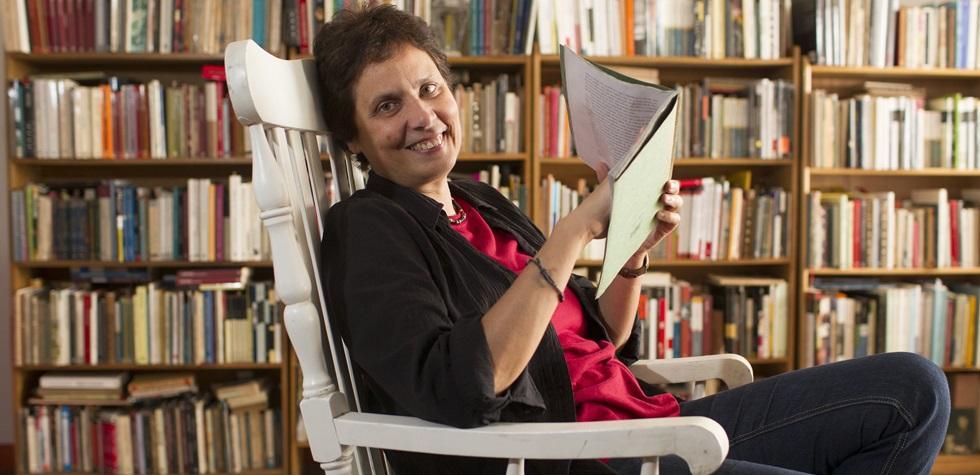 Rosella di Paolo nos habla de su nuevo poemario
