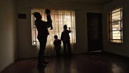 Venezolanos que huyen de una crisis para empezar otra