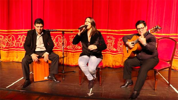 Fabiola de la Cuba en una sesión en vivo para