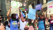 Simpatizantes de Sanders protestan en la convención demócrata