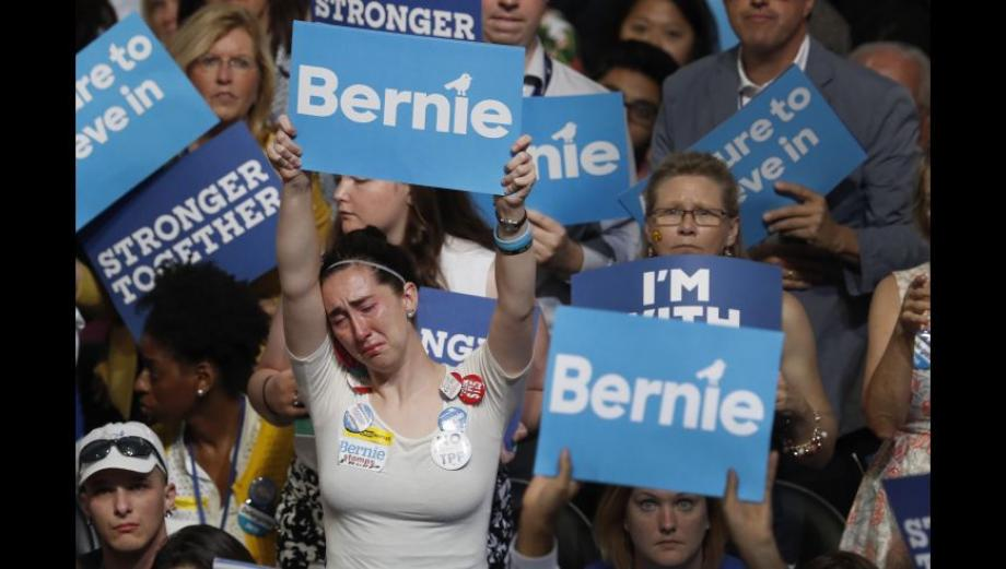 El conmovedor llanto de los seguidores de Bernie Sanders