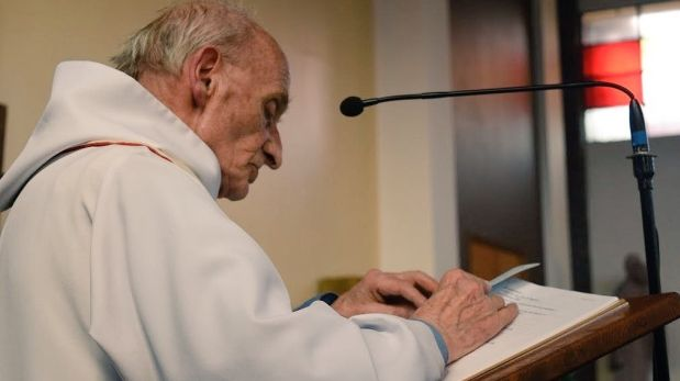 Francia. Jacques Hamel celebró 50 años de servicio religioso en 2008. (Foto: Facebook)