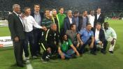 Cueto recibió homenaje de Atlético Nacional antes de la final
