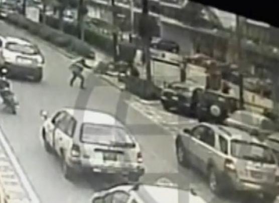 San Isidro: cámaras de vigilancia registraron asalto a cambista