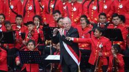 PPK tocó flautín con sinfónica juvenil de Manchay [VIDEO]