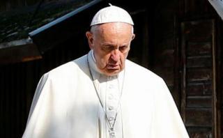 Francisco visita Auschwitz: ¡Señor, perdón por tanta crueldad!