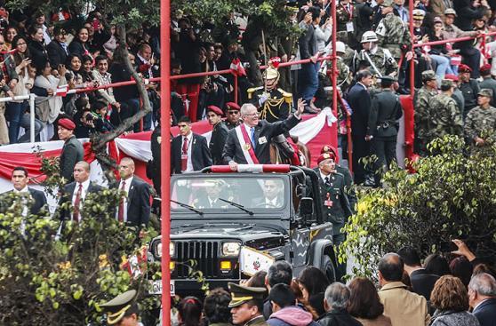 Las postales de PPK en la Gran Parada Militar [FOTOS]