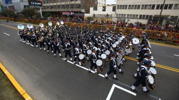 Semana en fotos: desfile, Buscaglia, balacera y mensaje de PPK