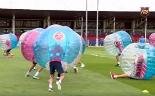 El divertido entrenamiento del Barcelona con pelotas gigantes