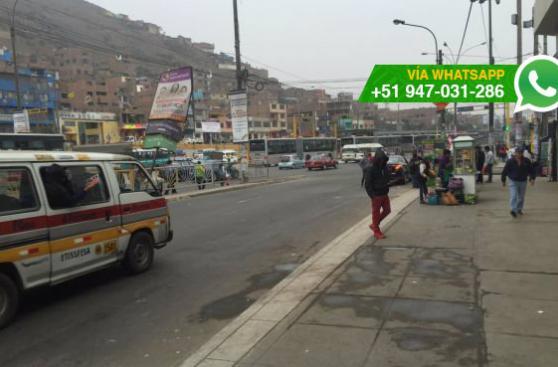 Paradero fue cerrado y pasajeros toman buses en pista