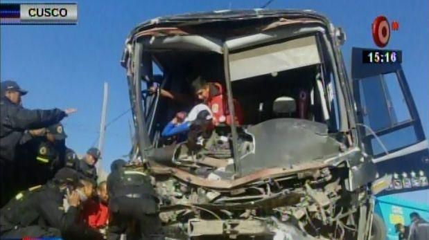 Cusco: 4 muertos y decenas de heridos por choque de dos buses
