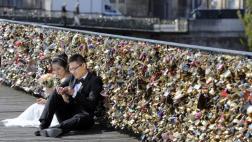 """La nueva operación de París contra los """"candados del amor"""""""