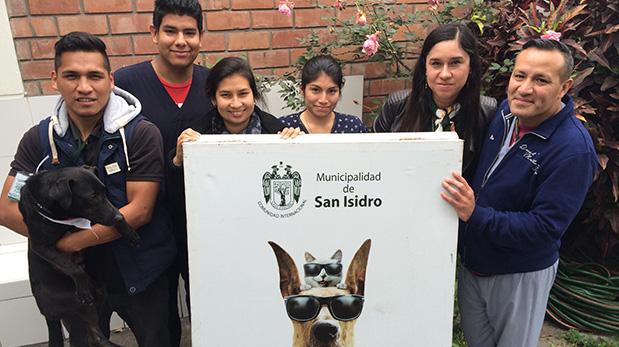 El equipo del consultorio veterinario de la Municipalidad de San Isidro.