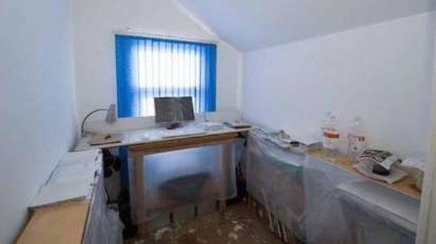 En la casa de Tenniswood todo, desde las ventanas hasta la computadora, estaba cubierto con plástico y nylon. (Foto: BBC)