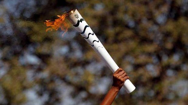 Río recibe la llama olímpica a dos días de la inauguración