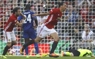 Con este polémico gol Zlatan le dio título al United [VIDEO]