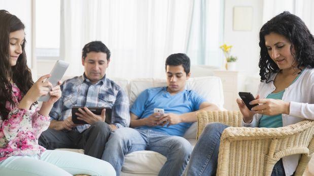 ¿Qué hacen y cuánto tiempo pasan en Internet los peruanos?