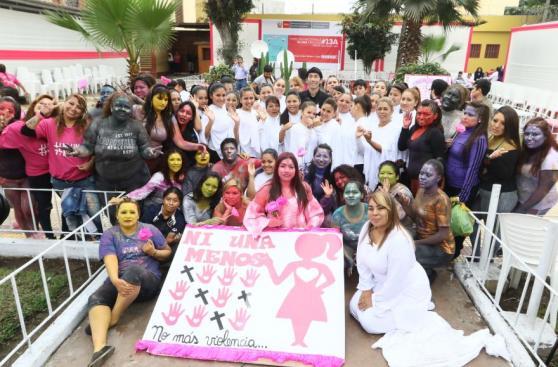 #NiUnaMenos: la emotiva manifestación de presas de Santa Mónica