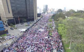 #NiUnaMenos: así inició marcha contra la violencia a la mujer