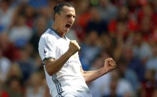 Zlatan Ibrahimovic marcó su primer gol en la Premier League