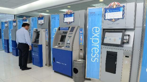 Los cajeros automáticos del BBVA Continental permitirán adquirir entradas para el Perú-Brasil del 15 de noviembre. (Foto: Difusión)