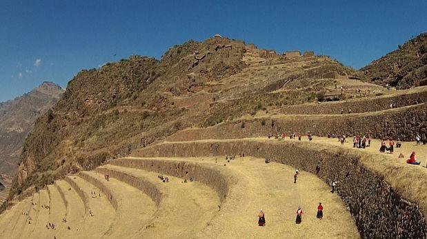 Cusco: realizaron limpieza en Parque Arqueológico de Pisaq