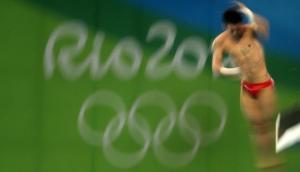 Ganó medalla de oro por genial clavado de 10 puntos [VIDEO]