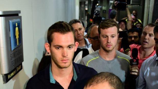 Gunnar Bentz y Jack Conger fueron sacados del avión cuando pensaban abandonar Brasil. (Foto: BBC)