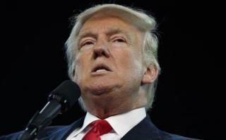 Trump niega cambio de su plan de deportar millones de migrantes