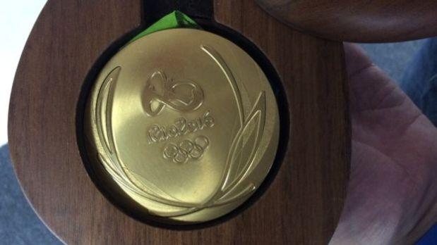 La medalla de oro a la que la prensa tuvo acceso en el Parque Olímpico de Río. (Foto: BBC)