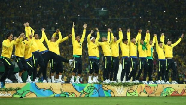 Brasil obtuvo su mejor rendimiento deportivo en los Juegos de Río, incluyendo su primer oro en fútbol olímpico. (Foto: BBC)