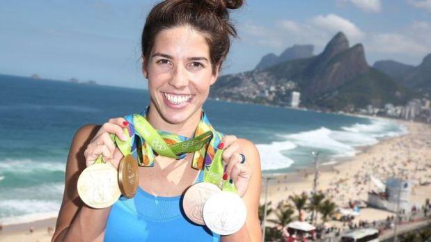 Maya Dirado ganó cuatro medallas, dos de ellas de oro, en la natación de Río con Estados Unidos. (Foto: BBC)