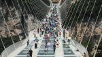 China: Recorre el mayor puente de vidrio del mundo - Noticias de hunan