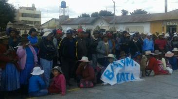 Azángaro celebra aniversario en medio de protestas [FOTOS]