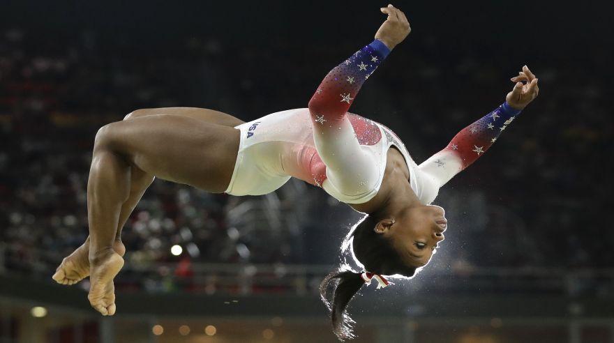 Simone Biles: la agilidad extrema de la gimnasta de oro [FOTOS]