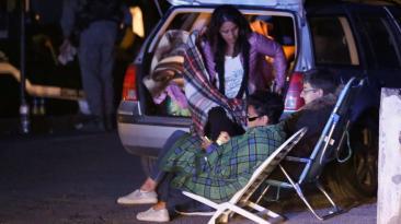Así pasan la noche los damnificados del terremoto en Italia